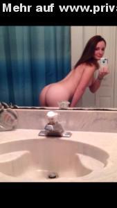 arsch rausstrecken nackt selfie