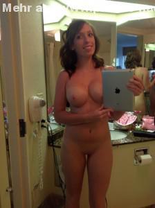geil mit ipad nackt selfie gemacht im spiegel