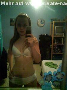 unterwaesche selfie junge teen hure