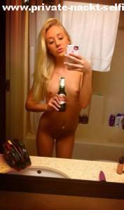 freundin nackt selfie mit bier fuer whatsapp