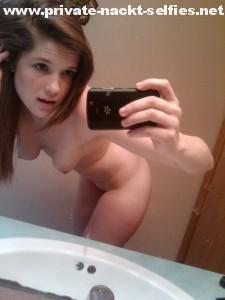 blackberry nackt selfie teen