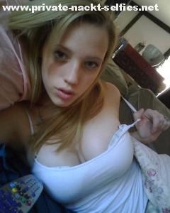 sexy teen verfuehrerischer blick