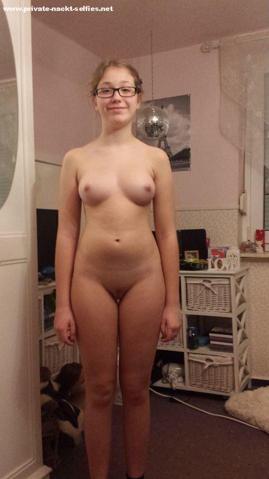 Drop few Nettes blondes jugendlich im Sex Nakedcamwomendotcom looking for